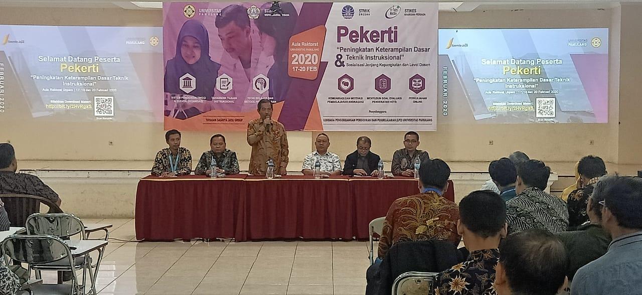 Sambutan dari Ketua Yayasan Sasmita Jaya Bapak Dr. HC. Drs. H. Darsono